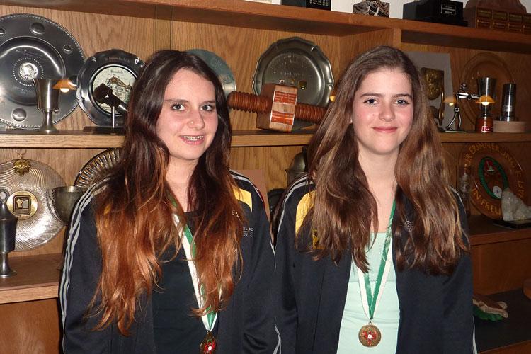 Viktoria Tiefenbrunner und Melanie Zoller